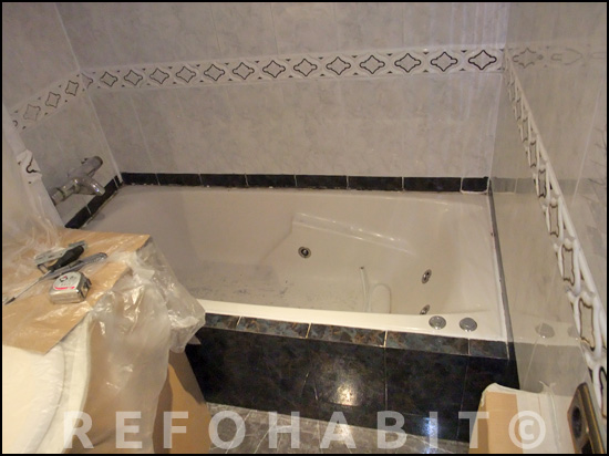 Cambio de bañera por ducha de resina. Antes.