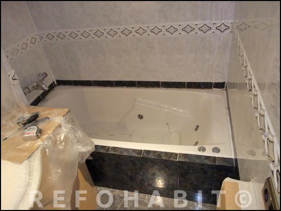 Cambio de ba era por ducha de resina con gresite dos colores for Poner plato ducha