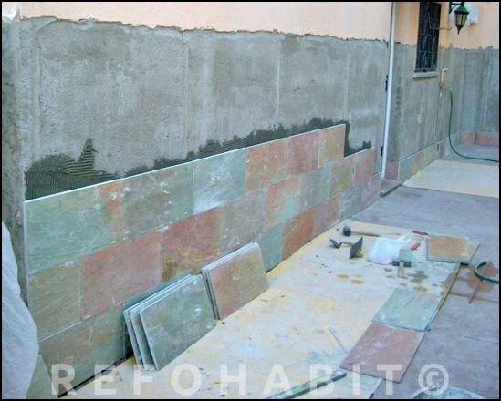 Colocar baldosas de exterior en fachada