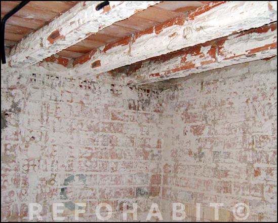 Aspecto del techo durante el proceso de saneamiento